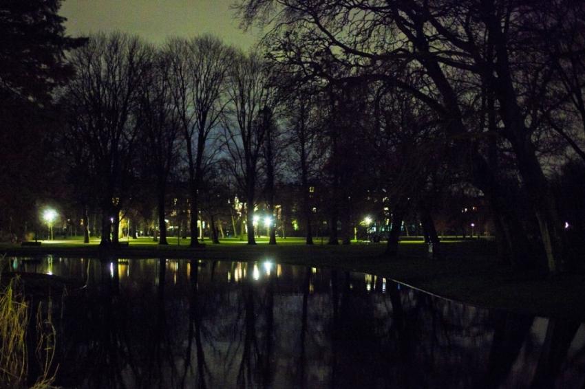 Vondelpark by night, Credit: Maarten Brante http://www.maartenbrante.com
